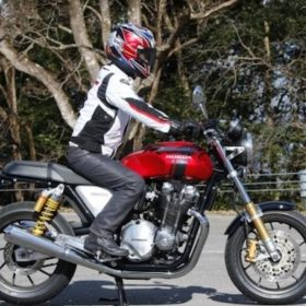 骑摩托车姿势